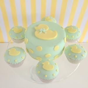 Baby shower ducky cake